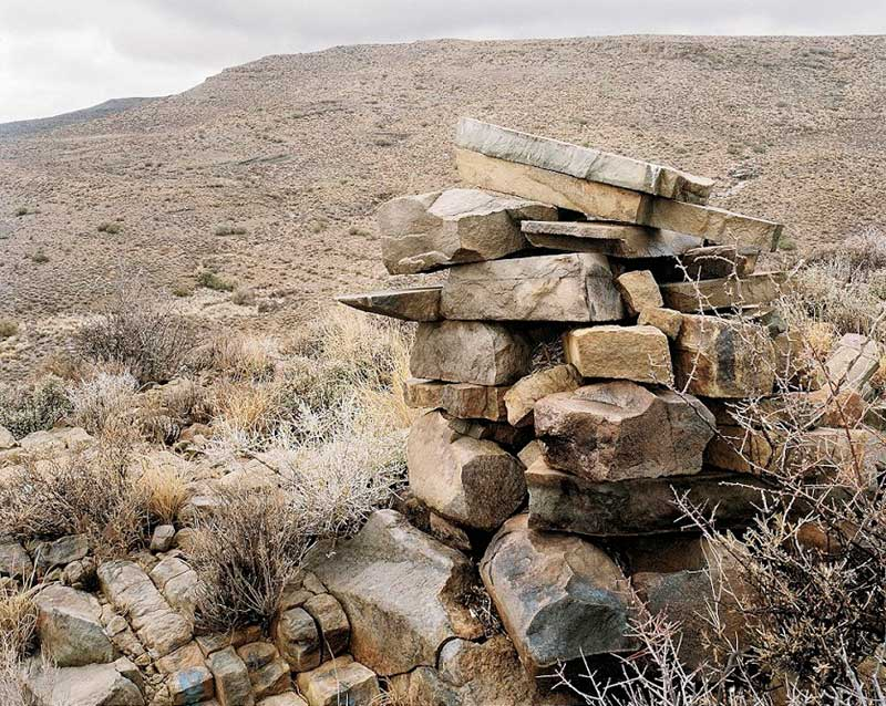 A cairn, possibly a grave, Leeuwenvalley, Moordenaar?s Karoo, Western Cape. 24 April 2002 (4_8582 by David Goldblatt at Annandale Galleries